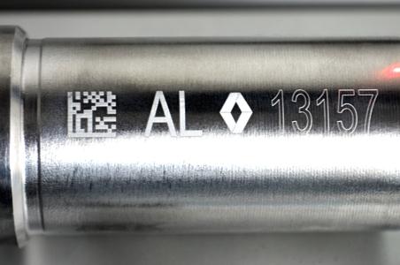 marcaje láser en pieza de acero