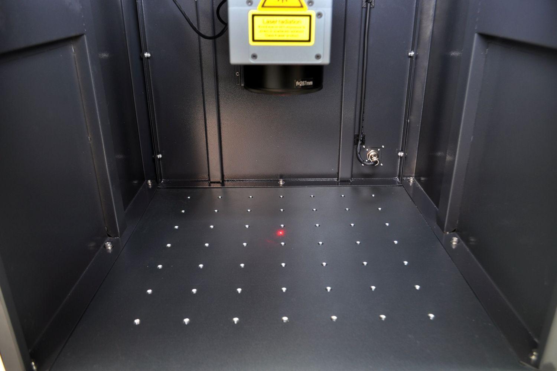 Estación de marcaje y garbado láser Datamark XL
