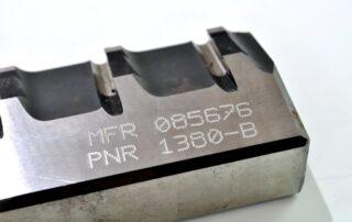 Grabado de placas metálicas para identificación