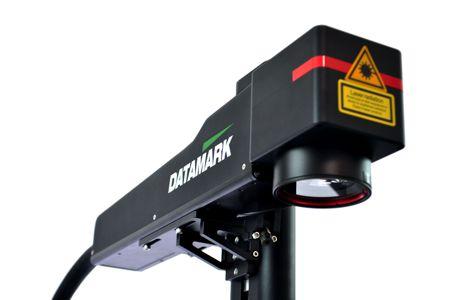Marcadora de piezas de metal por láser Datamark