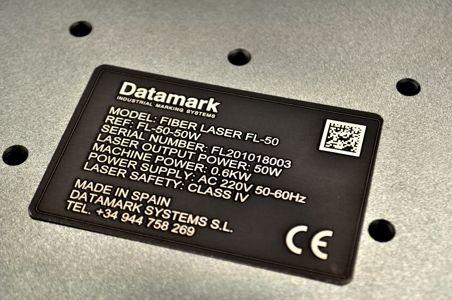 Marcado grabado láser de placa de metal anodizado