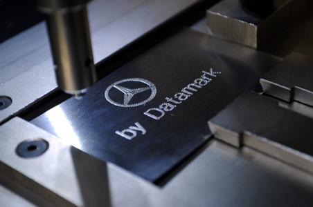 Marcado de placas de acero con logos